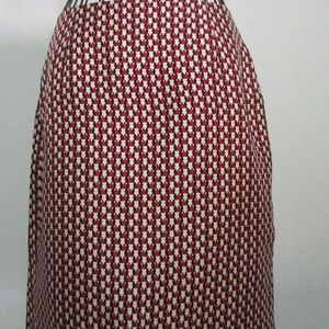 Ann Taylor Size 2 pencil skirt back slit silk